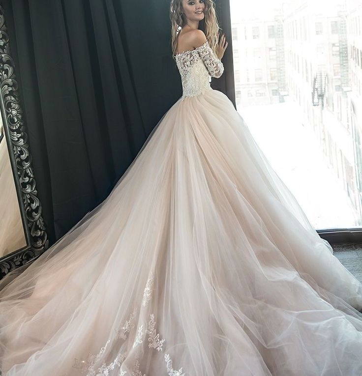 Vestiti Da Sposa Pomposi.Abito Da Sposa Cercasi Andrea Tralongo Wedding Events